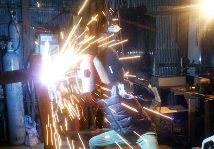 パーマリンク先: 鍛冶工事